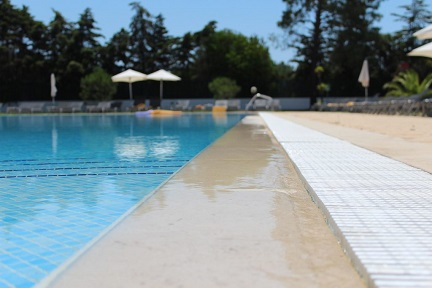 resurfacing your pool, pool resurfacing options, pool surfaces